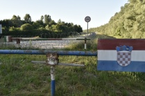 Closed minor border