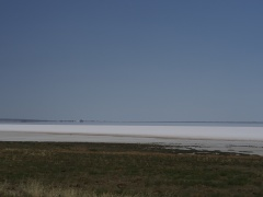 Tuz Golu salt and water edge