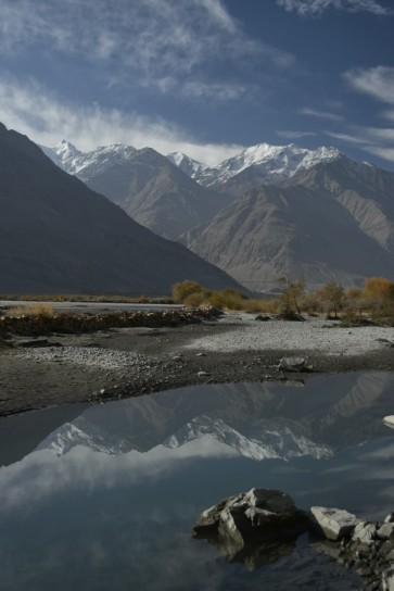River Panj, Afgan mountains