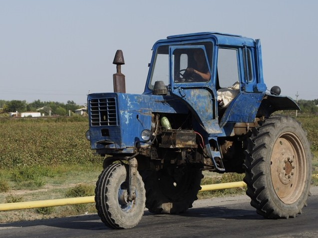 Lots of three wheel tractors in cotton areas, but rare elsewhere.